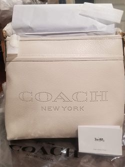 Authentic Coach Crossbody Purse New With Tags for Sale in National City,  CA