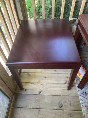 Wooden end table for Sale in Nashville, TN