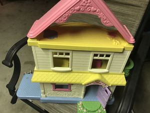 Doll house for Sale in Manchester, CT