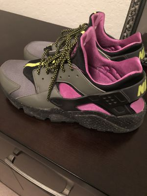 Nike Huaraches size 11 for Sale in Orlando, FL