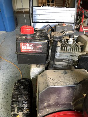 Snow blower 5 hp 24 inch cut for Sale in Indianapolis, IN