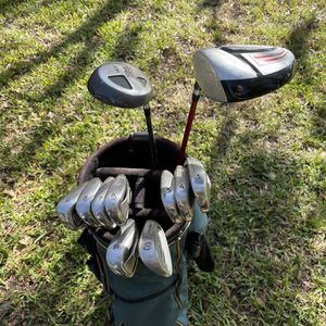 Men's Golf Clubs (driver, 3 Wood, Iron Set and Bag) for Sale in Orlando, FL