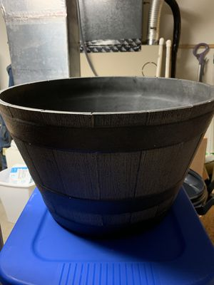 Large Flower Pot for Sale in Lutz, FL