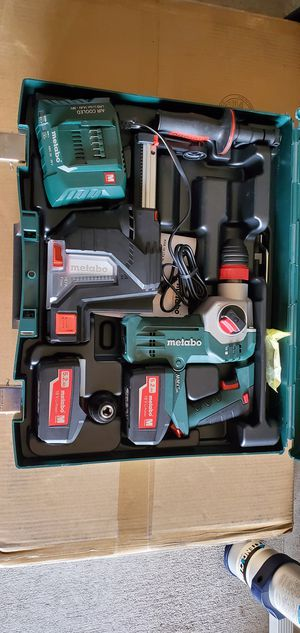 """METABO 18V 1"""" SDS-PLUS BRUSHLESS ROTARY HAMMER, Vacuum, 2 batteries, charger and case for Sale in Humble, TX"""