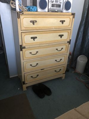 Dresser for Sale in Columbus, OH