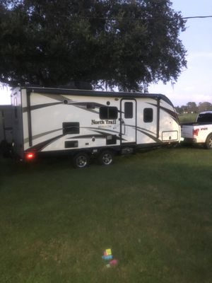I have a very nice travel trailer here in excellent condition I'm selling it for a friend for Sale in Lakeland, FL