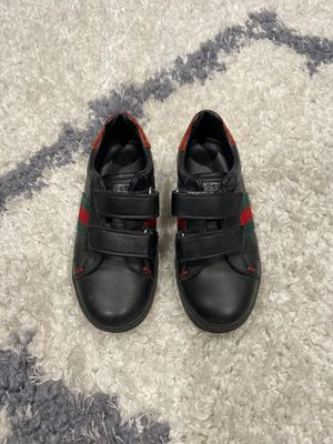 Gucci boys Velcro sneaker size 27 for Sale in Manalapan Township, NJ