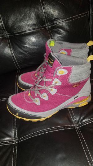 Women Hiking boots Ahnu Quametrum Vibram for Sale in Arlington Heights, IL