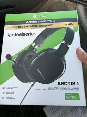 Gaming headphones for Sale in Moreno Valley, CA