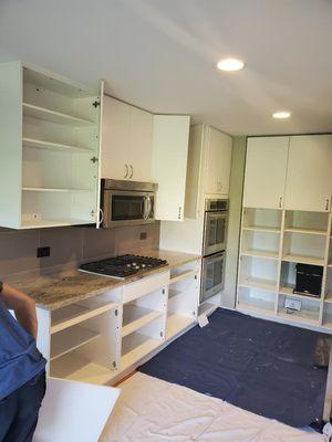 Kitchen cabinets for Sale in Des Plaines, IL