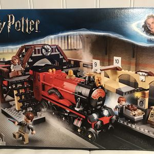 Lego Harry Potter Hogwarts Express 75955 for Sale in Hacienda Heights, CA