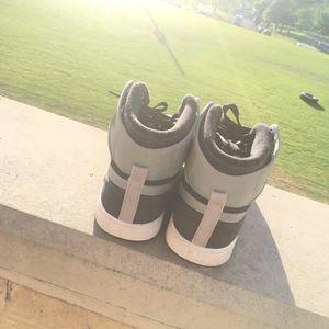 Gray & Black Jordan Retro 1's for Sale in Austin, TX