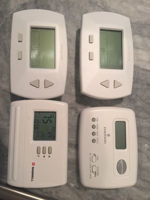 Four digital thermostats like new for Sale in Dunwoody, GA