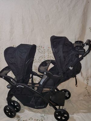 Baby trend double stroller for Sale in West Chicago, IL