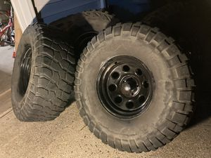 """15x8 Jeep Offroad wheels. W/ 35"""" tires. Set of 4. for Sale in Great Falls, VA"""