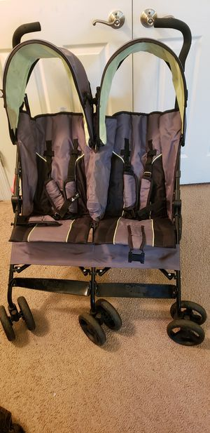 Delta double stroller for Sale in MONTGOMRY VLG, MD