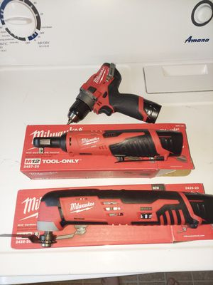 Like New set of 3 Milwaukee Power Tools Drill, Multi Tool, Cordless Socket + 3 batteries for Sale in Boring, OR