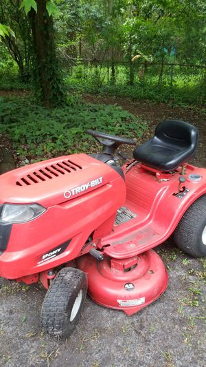 Riding lawn mower troy-bilt Briggs and Stratton 17.5 Perfect condition for Sale in Jacksonville, FL