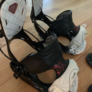 Flow Snowboard Bindings XL (10-14 Boot Size) with Hardware for Sale in Newcastle, WA