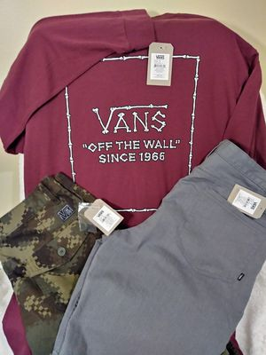New Vans Shorts and Tee for Sale in Crestview Hills, KY