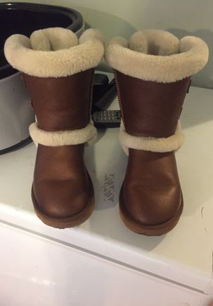 Lil Girls Uggs for Sale in Columbus, OH