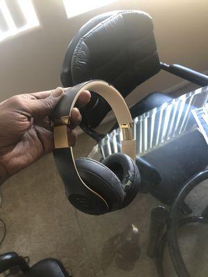 Beats studio 3 wireless worn cond 7/10 for Sale in Las Vegas, NV