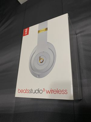 Brand New Sealed White Beats Studio 3 Wireless Headphones NEW! Retail $350 for Sale in Fresno, CA