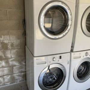 Stackable Lg Washer and Electric dryer can deliver for Sale in West Sacramento, CA