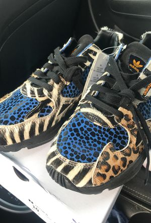 Size 10 in women's Adidas Limited Edition Falcon Leopard Sneakers for Sale in Fairlawn, OH
