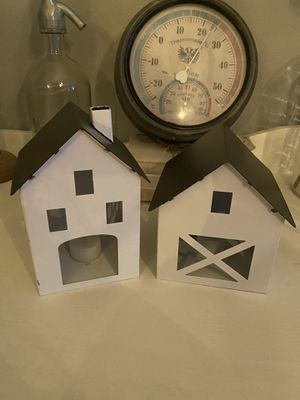 Metal farmhouse light up houses for Sale in Lynnwood, WA
