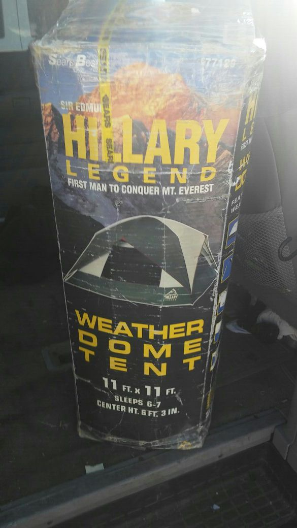 hillary dome tent sleeps 6-7 people for Sale in Lakewood, CA - OfferUp