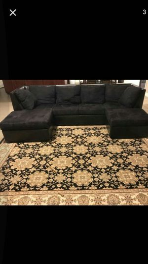 Black Sectional couch with ottoman, 🛋 for Sale in Phoenix, AZ
