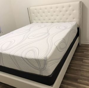 Queen Size Bed with Mattress & Box Spring. Brand New in Box. (Cash,CC,Financing) for Sale in Hialeah, FL