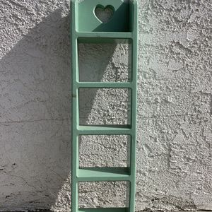 Small Wall Mount Rack for Sale in Montebello, CA