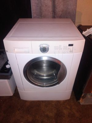 Front load washer and pedestal for Sale in Wichita Falls, TX