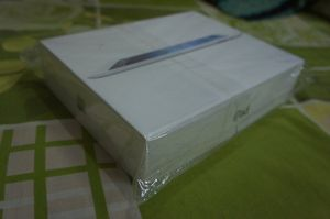Brand new iPad 4 32gb for Sale in Valparaiso, FL