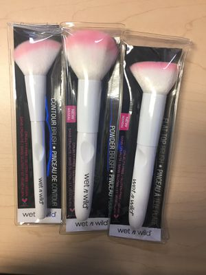 Wet n Wild Makeup Brushes for Sale in Paramount, CA