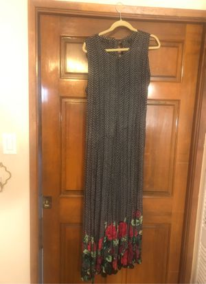 Long Dress, sleeveless. Black and white with floral around the bottom for Sale in Brea, CA