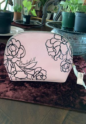 NEW VICTORIA SECRET BEAUTY BAG for Sale in Fresno, CA
