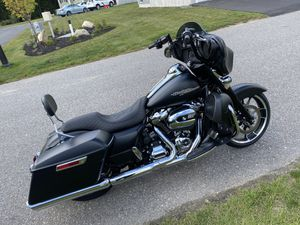 2020 Harley Davidson street glide with lots of upgrades. for Sale in Middleton, MA