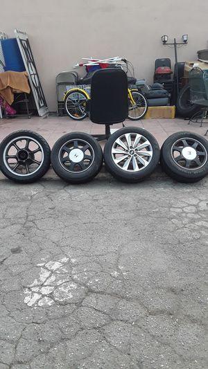 Vendo 2 rines de Honda acor zise 15. Y una de handey zise. 17 y uno de moto for Sale in Los Angeles, CA