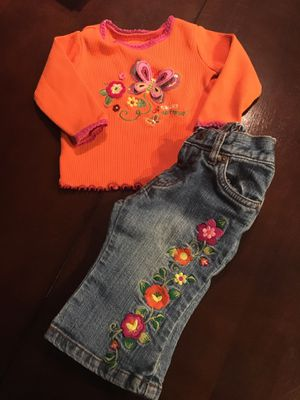 Long sleeve shirt w/jeans for Sale in Peyton, CO