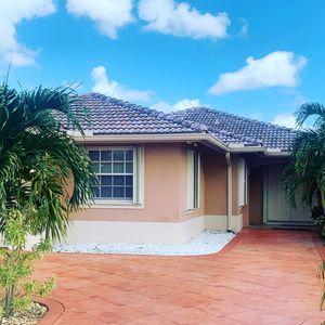 Preciosa casa para la venta for Sale in Miami, FL