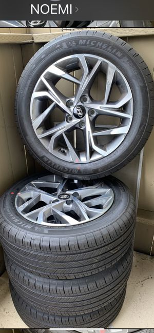 Hyundai rims tire for Sale in Downey, CA