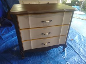 SMALL ANTIQUE DRESSER for Sale in FL, US
