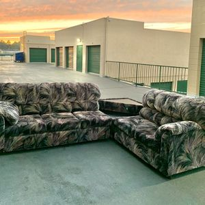 Pattern Sectional couch + Table for Sale in San Diego, CA