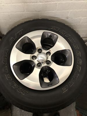 Jeep wrangler wheel for Sale in Los Angeles, CA