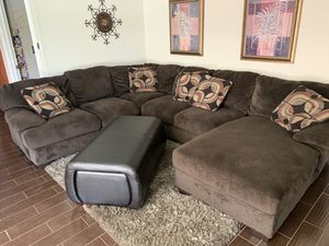 Ashley Furniture Sectional couch for Sale in Phoenix, AZ