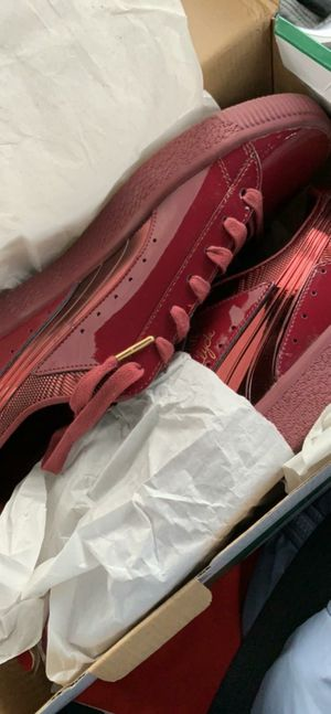 Puma Clyde W (Limited Edition) for Sale in Detroit, MI