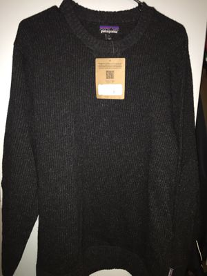 New with tags Patagonia sweater(L) for Sale in Hoffman Estates, IL